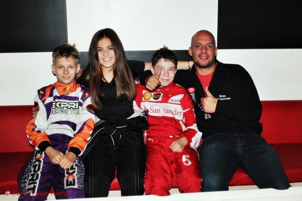Silvan Tomasi mit dem 2016er Team (v.r: Pirmin, Lena, Sebastian, Silvan)